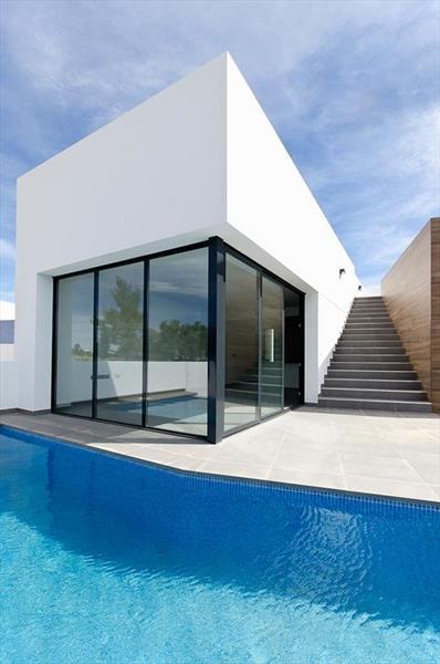 te koop vrijstaande villa Algorfa Costa Blanca Spanje gevel.