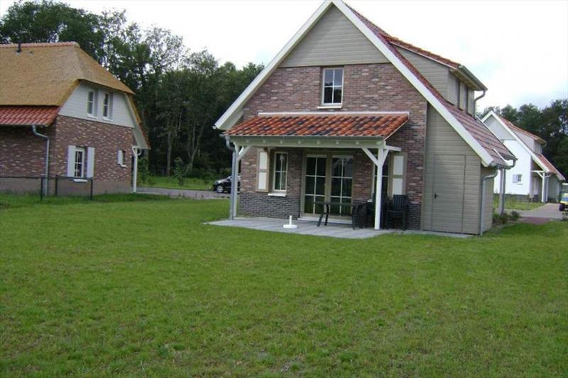 Vakantiehuis te koop Arcen Klein Vink achterzijde met terras