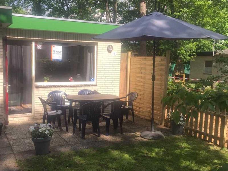 Vakantiehuis te koop Limburg Baarlo Napoleonsbaan Noord 4 K16 Park De Berckt  Tuin en terras Tuin en terras