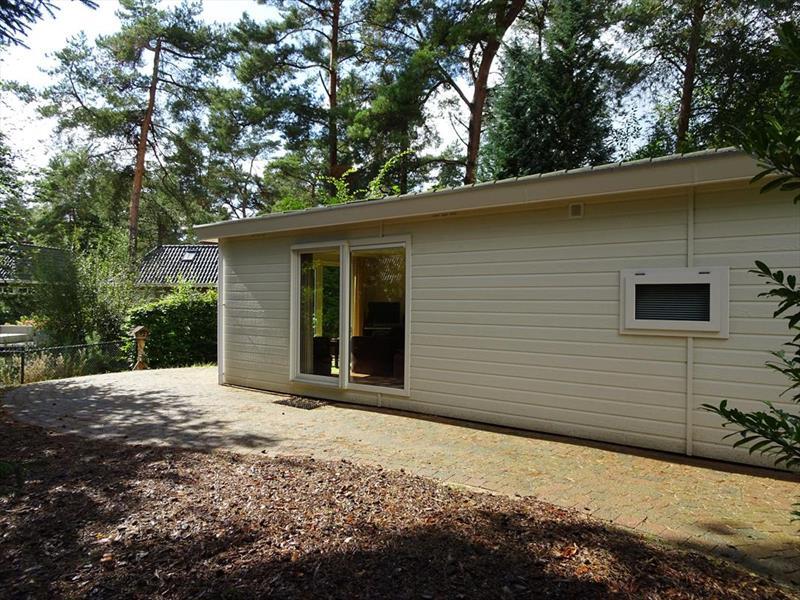 Vakantiehuis te koop Gelderland Beekbergen Bergweg 16 K105A Droompark Beekbergen Tuin