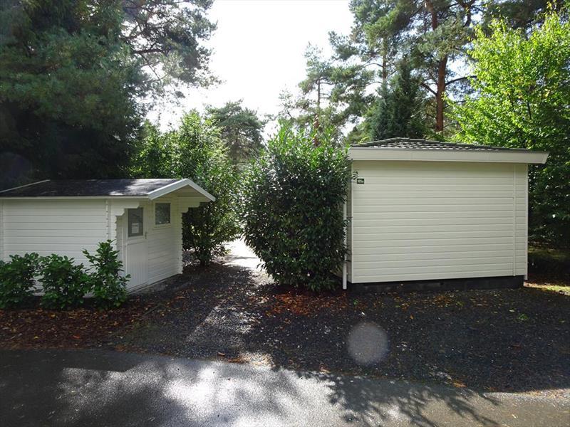 Vakantiehuis te koop Gelderland Beekbergen Bergweg 16 K105A Droompark Beekbergen Parkeerplaats