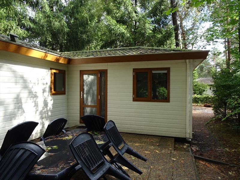 Vakantiehuis te koop Gelderland Beekbergen H.Bergweg 16K 152 Droompark Beekbergen Terras