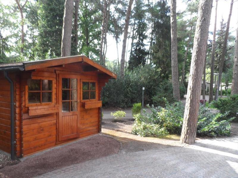 Vakantiehuis te koop Gelderland Beekbergen L.Bergweg 31 K I48 Droompark Beekbergen Tuinhuis
