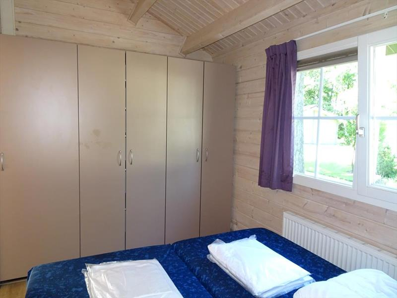 Vakantiehuis te koop Limburg Belfeld Maalbekerweg 25 K002  Droompark Maasduinen Slaapkamer 1