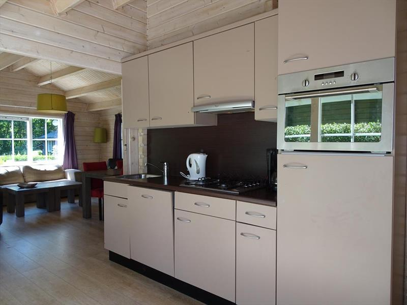 Vakantiehuis te koop Limburg Belfeld Maalbekerweg 25 K002  Droompark Maasduinen Keuken