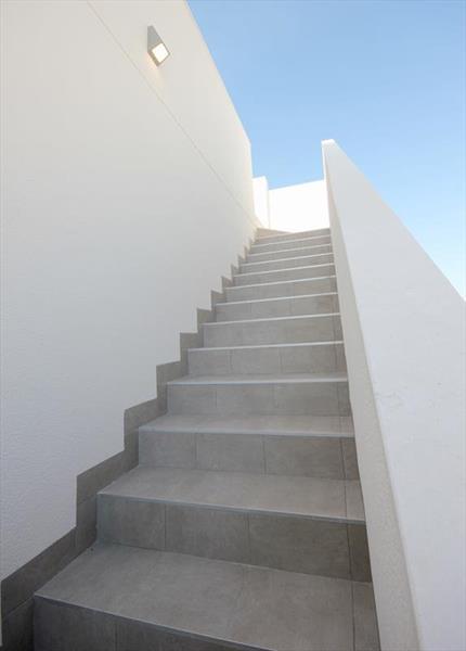 Vakantiehuis kopen Spanje Costa Blanca Benijofar trap solarium.