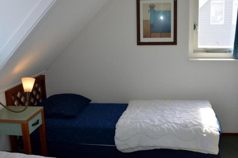 Vakantiehuis te koop Bruinisse Aquastaete Zeeland slaapkamer 1