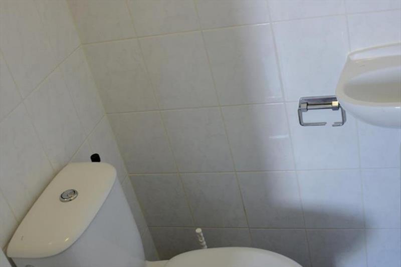Vakantiehuis te koop Bruinisse Aquastaete Zeeland toilet