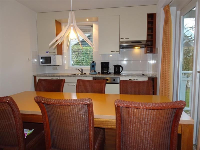 Vakantiehuis te koop Zeeland Bruinisse Groeneweg 1 K136  Park Aquadelta Woonkamer en keuken
