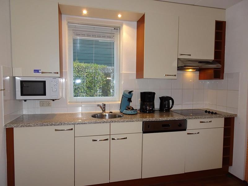 Vakantiehuis te koop Zeeland Bruinisse Groeneweg 1 K136  Park Aquadelta Keuken