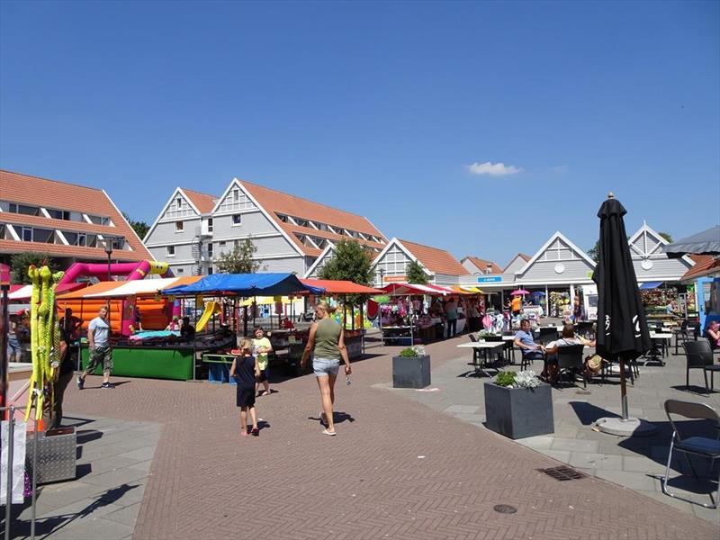 Vakantiehuis te koop Zeeland Bruinisse Groeneweg 1 K136  Park Aquadelta Plaza op centrumplein