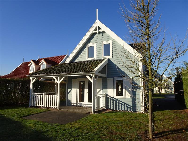 Vakantiehuis te koop Zeeland Bruinisse Groeneweg 1 K136  Achtertuin met veranda