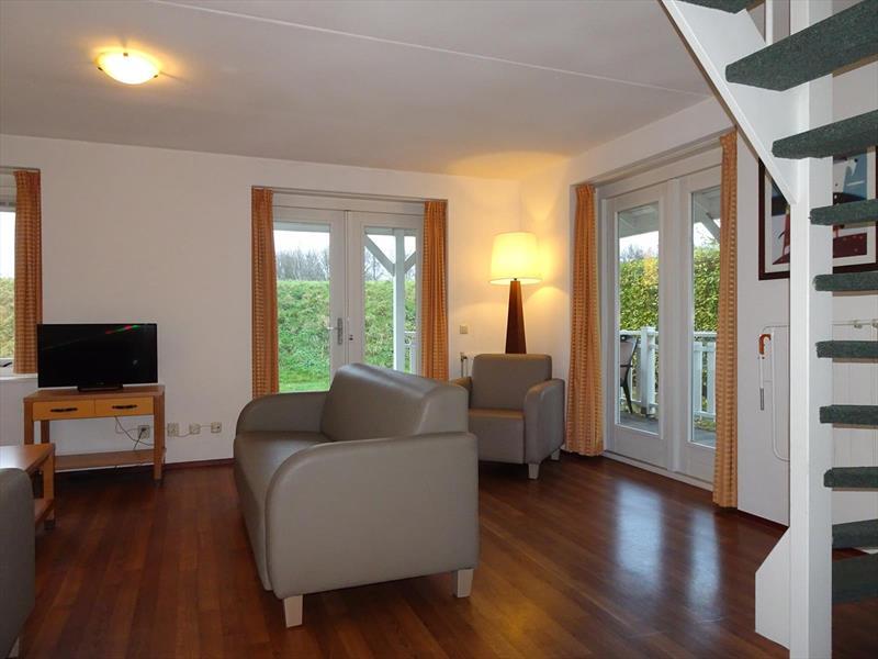 Vakantiehuis te koop Zeeland Bruinisse Groeneweg 1 K136  Park Aquadelta Woonkamer