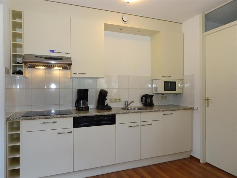 Vakantiehuis te koop Zeeland Bruinisse Groeneweg 1 K164  Park Aquadelta Keuken