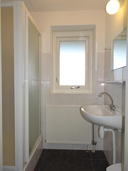 Vakantiehuis te koop Zeeland Bruinisse Groeneweg 1 K164  Park Aquadelta Badkamer en-suite begane grond