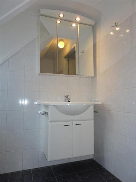 Vakantiehuis te koop Zeeland Bruinisse Groeneweg 1 K164  Park Aquadelta Badkamer verdieping