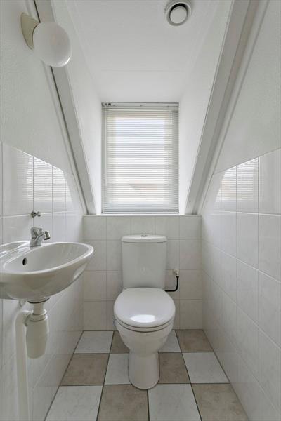 Vakantiehuis te koop in Bruinisse Toilet op de verdieping