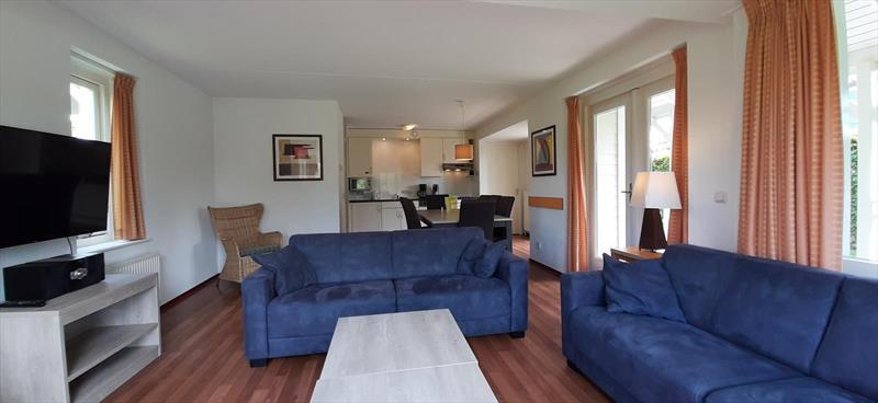 Vakantiehuis te koop Bruinisse Zeeland woonkamer