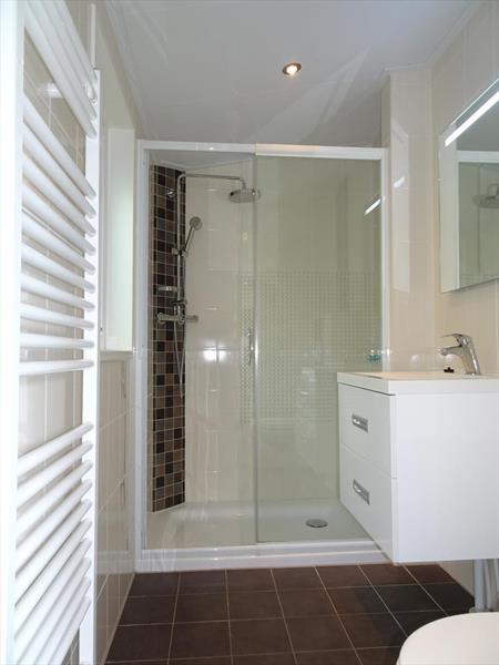 Vakantiehuis te koop Limburg Brunssum Akerstraat 153 K165 Resort Brunssummerheide Badkamer