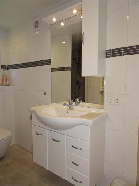 Vakantiehuis te koop in Brunssum  badkamer