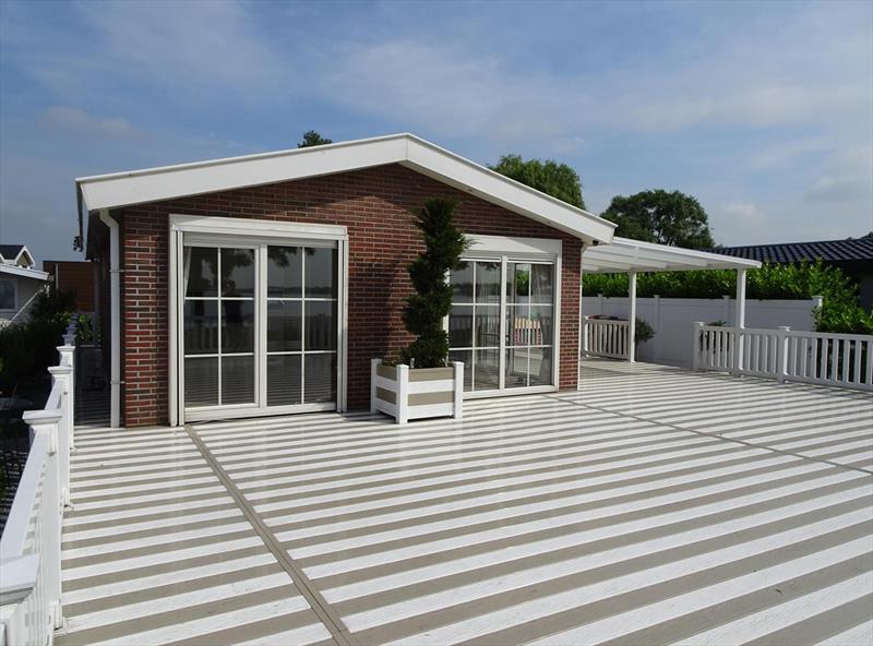 Vakantiehuis te koop Zuid Holland Park De Biesbosch Terras met woning