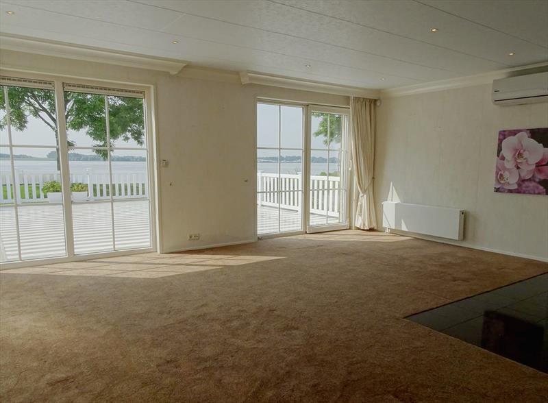Vakantiehuis te koop Zuid Holland Park De Biesbosch Woonkamer