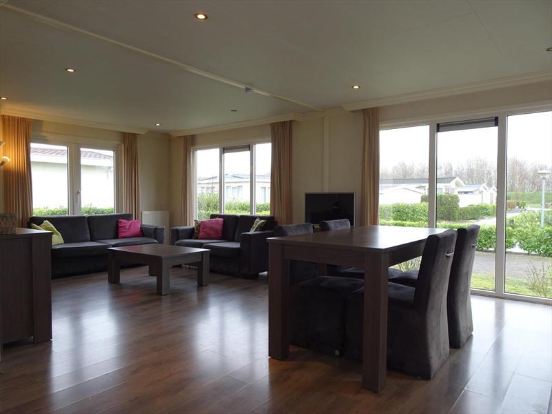 Vakantiehuis te koop Zuid Holland Dordrecht Rijksstraatweg 186 K509 Europarcs Resort De Biesbosch Woonkamer