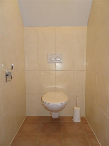 Vakantiehuis te koop toilet op de verdieping