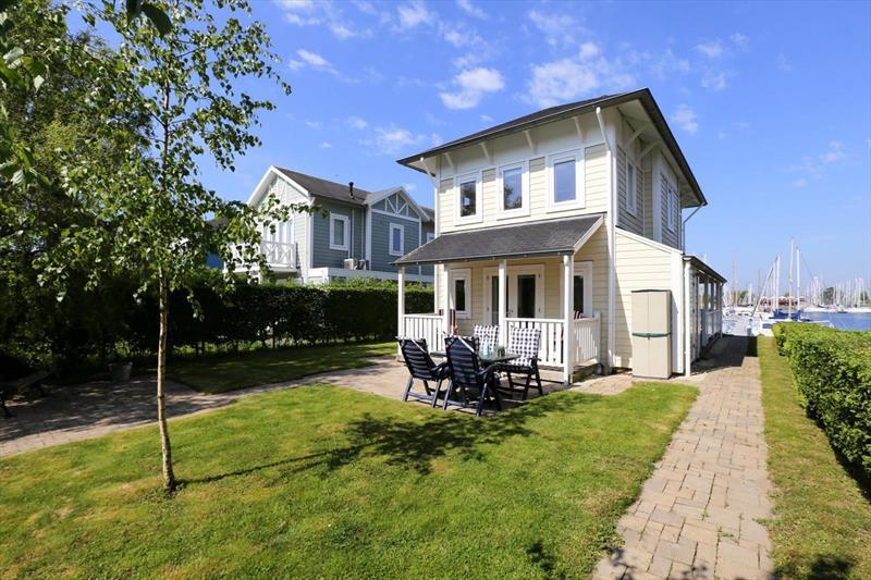 Vakantiehuis te koop Z.Holland Hellevoetsluis Nieuwe Zeedijk 1 K15 Park Cape Helius Achterzijde