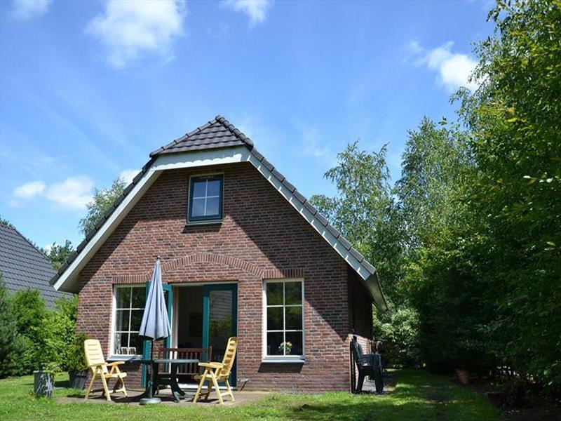 Vakantiehuis te koop Drenthe Hooghalen H.v. Halenweg 2 K57 Park Het Grote Zand Tuin met terras