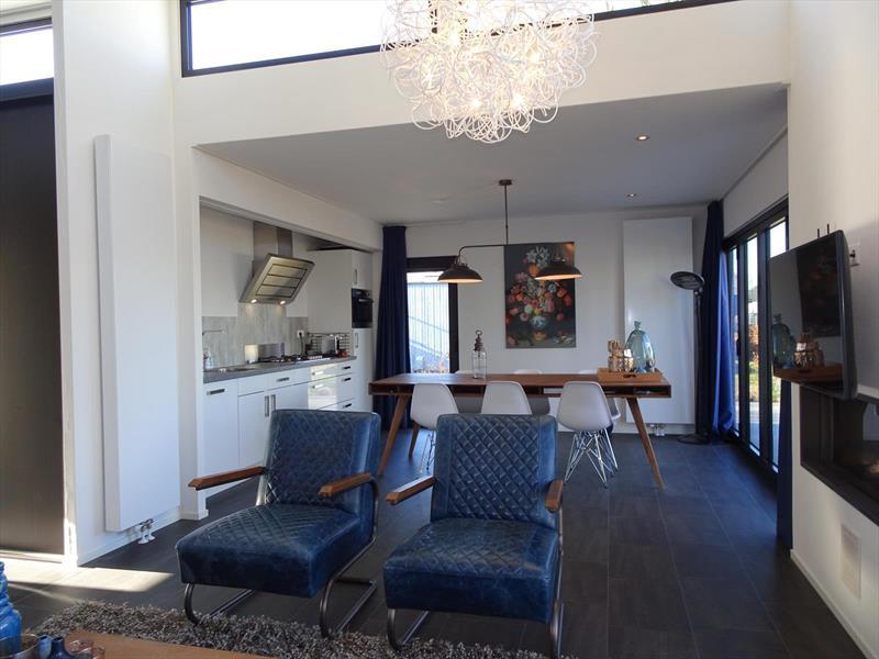 Vakantiehuis te koop Gelderland Hulshorst Varelseweg 211 Hulst16 Park Bad Hoophuizen Woonkamer en keuken
