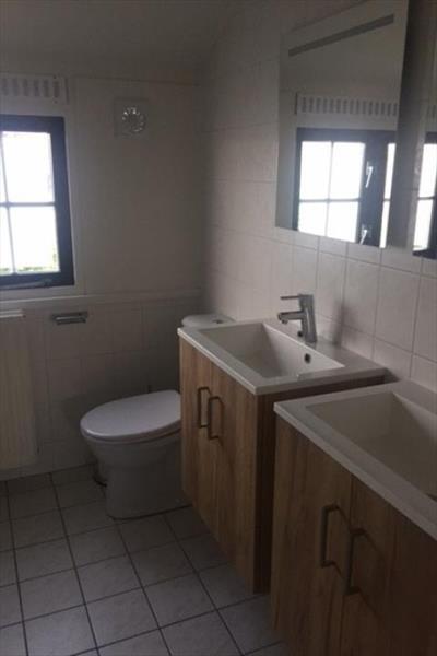 Vakantiehuis te koop bij het strand badkamer