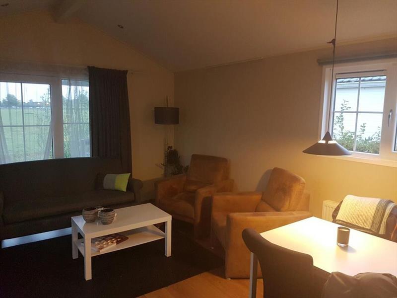 Vakantiehuis te koop Gelderland Kesteren Hoge Dijkseweg 40 K81 park Rijk van Batouwe Woonkamer