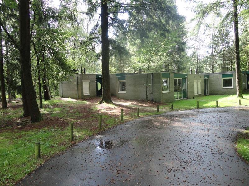 Vakantiehuis te koop Gelderland Kootwijk Kerkendelweg 30 K52 Park De Berkenhorst Toegangsweg tot de woning