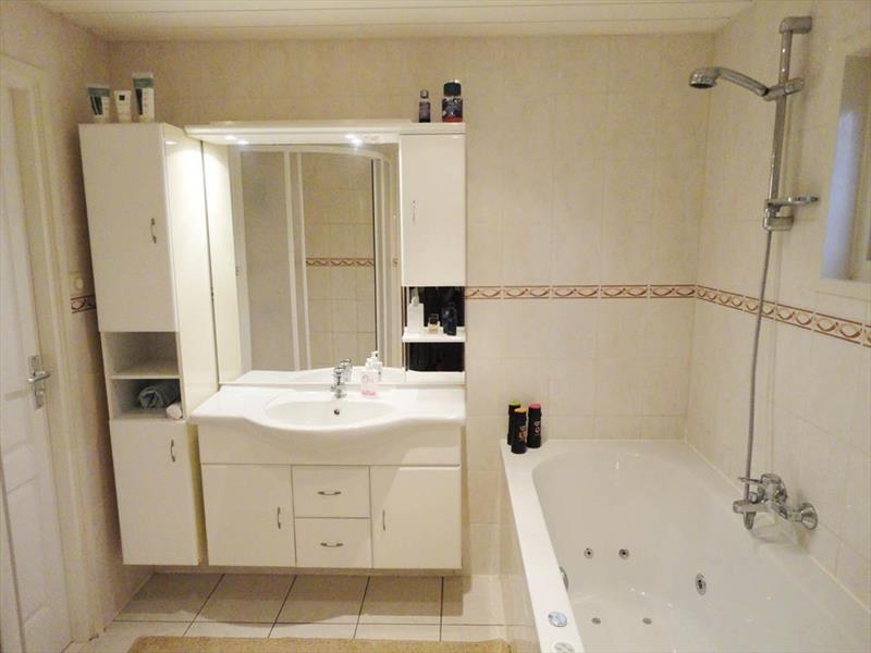 Vakantiehuis te koop Gelderland Lochem Ploegdijk 2 K277 Resort De Achterhoek Badkamer 1