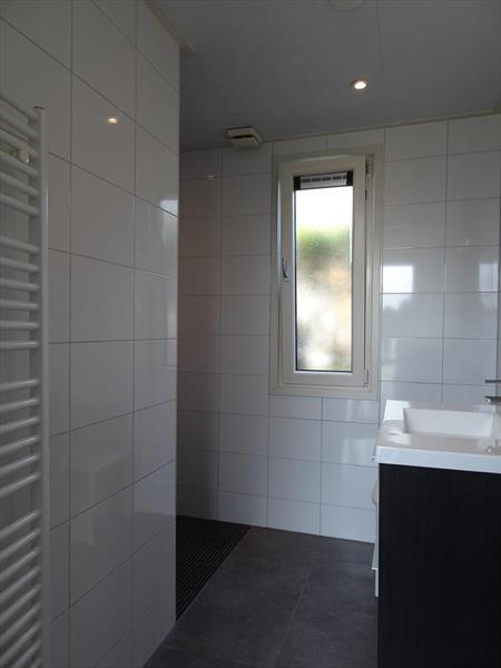 Vakantiehuis te koop Gelderland Lochem Ploegdijk 2 K128  Resort De Achterhoek  Badkamer