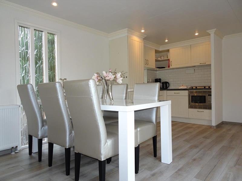 Vakantiehuis te koop Gelderland Lochem Ploegdijk 2 K99a  Resort De Achterhoek Woonkamer en keuken