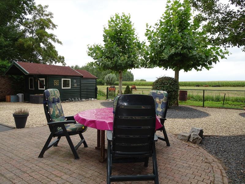 Vakantiehuis te koop in Maasbomel tuin met uitzicht