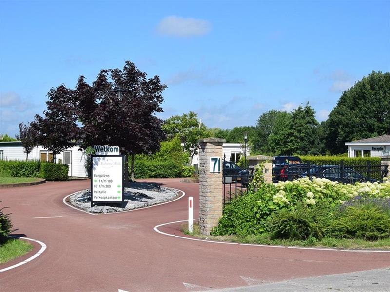 Vakantiehuis te koop Brabant Molenschot R.Kerkweg 7 K44  Park De Brabantse Weelde  Entree van het park