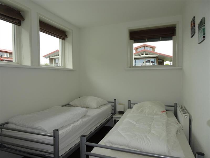 Vakantiehuis te koop Friesland Noardburgum Rijksstraatweg 80 K140 Park Zwartkruis  Slaapkamer 2