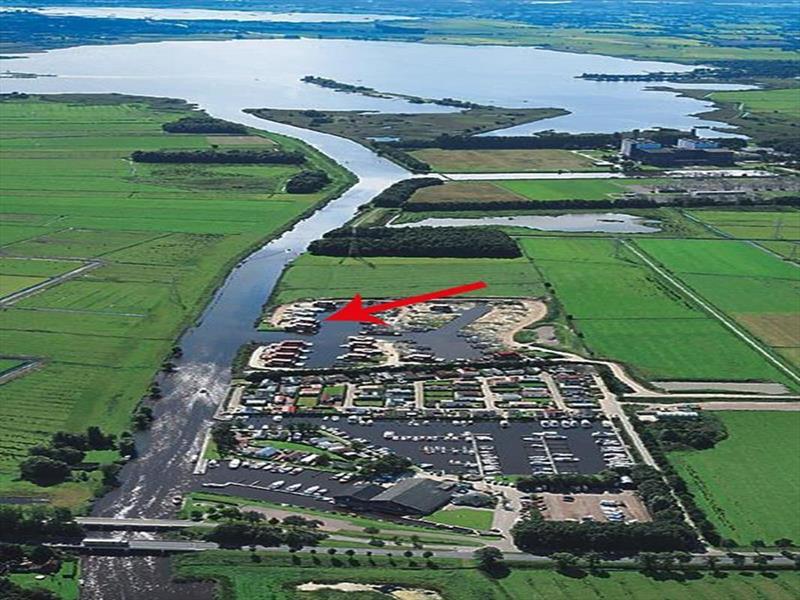 Vakantiehuis te koop Friesland Noardburgum Rijksstraatweg 80 K140 Park Zwartkruis  Luchtfoto