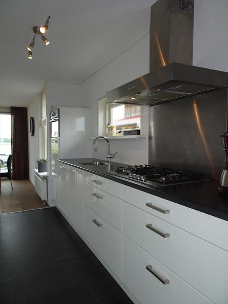 Vakantiehuis te koop Friesland Noardburgum Rijksstraatweg 80 K140 Park Zwartkruis  Keuken