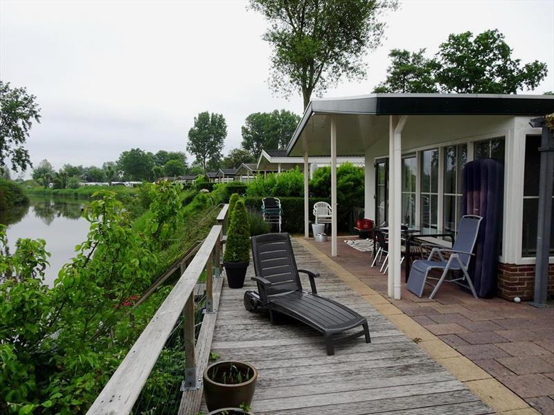 Vakantiehuis te koop Noord Holland Droompark Molengroet Tuin en terras