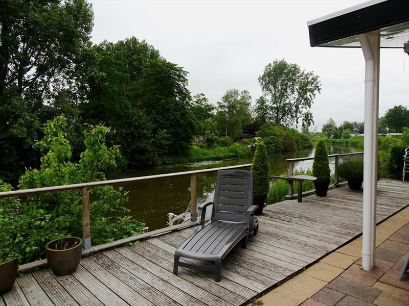 Vakantiehuis te koop Noord Holland Droompark Molengroet Terras