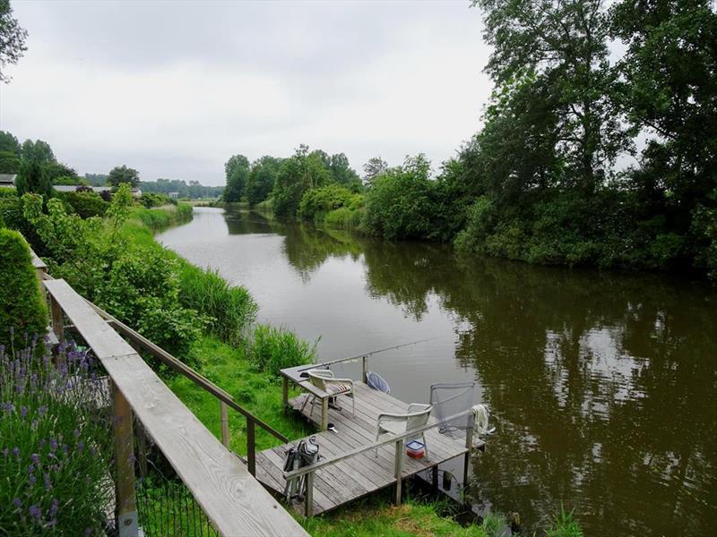 Vakantiehuis te koop Noord Holland Droompark Molengroet Aanlegsteiger