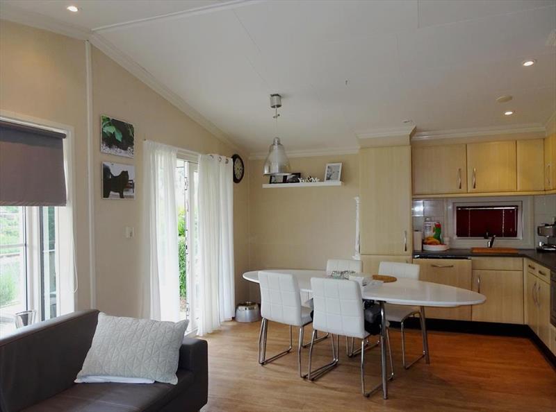 Vakantiehuis te koop Noord Holland Droompark Molengroet Woonkamer en keuken
