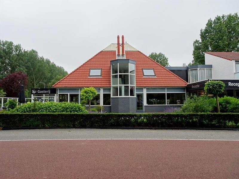 Vakantiehuis te koop Noord-Holland Noord-Scharwoude Molengroet 1 D754 Recreatiepark Molengroet  Plattegrond