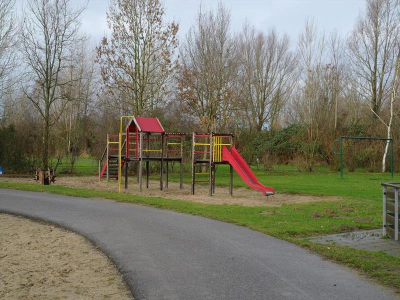 Vakantiehuis te koop Noord-Holland Noord-Scharwoude Molengroet 1 D754 Recreatiepark Molengroet  Plattegrond van het park
