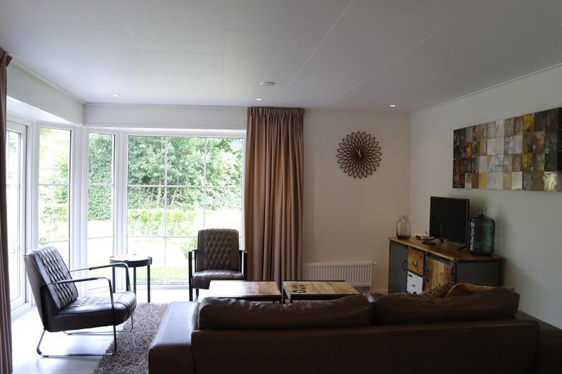 Vakantiehuis te koop Noord-Holland Noord-Scharwoude Molengroet 1 D754 Recreatiepark Molengroet  Woonkamer