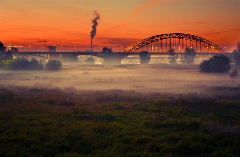 Vakantiehuis te koop Gelderland Oosterhout Residence Tergouw Nijmegen bij zonsondergang